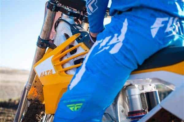 Быстрая 3D-печать для быстрого мотоцикла: Alta Motors продвигается вперед с технологией CLIP от Carbon